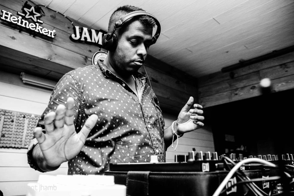 DJ DEEP BROWN